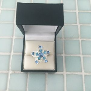 Beautiful star shaped ring in blue